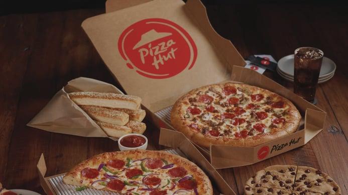 Pizza-Hut-Table